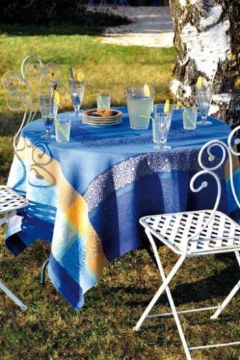 Spry Creek Home Accents in Corolla NC, French table linens by Le Cluny.
